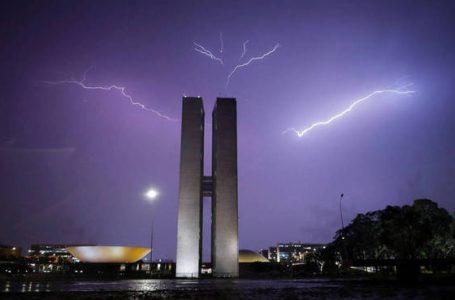 FIQUE ALERTA | Feriado de 12 de outubro tem previsão de chuvas no DF