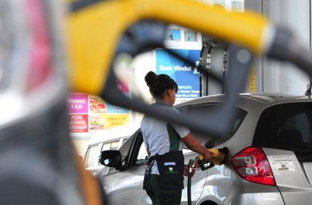 AGORA É LEI | Combustíveis no DF terão carga tributária reduzida nos próximos três anos