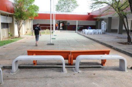 APÓS INCÊNDIO | Ibaneis reconstrói primeira escola do DF, o Caseb e entrega à população